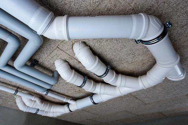 Пластиковая труба для канализации